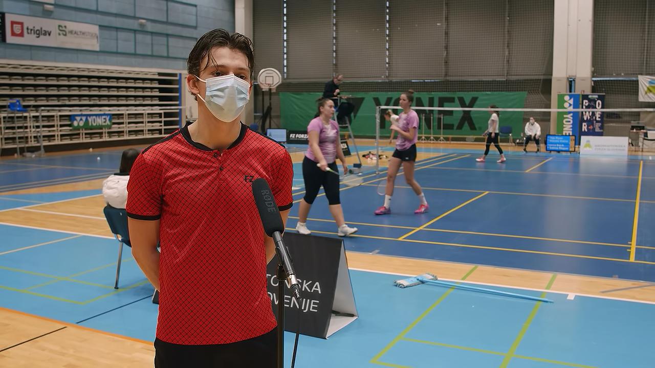 Badminton-DP.mp4_snapshot_04.55.930.jpg